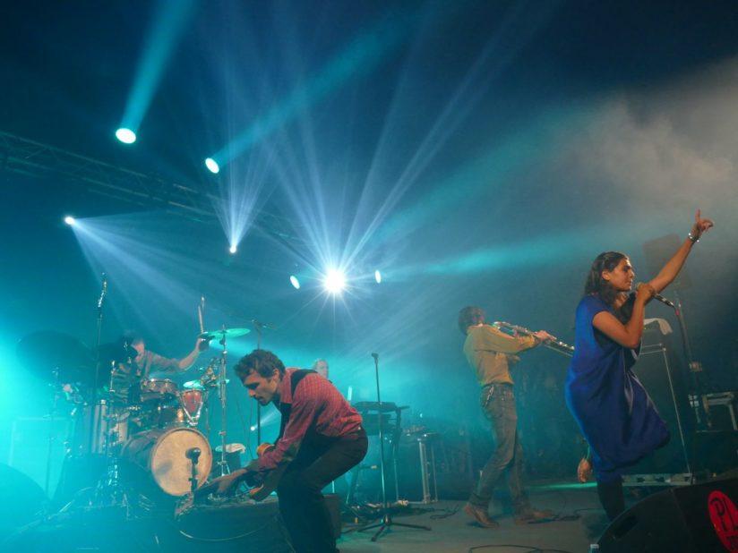 NIRMĀAN : L'Hindi Rock à dos de chameau